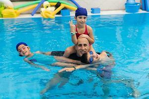 חוג שחיה לילדים במרכז שי במים