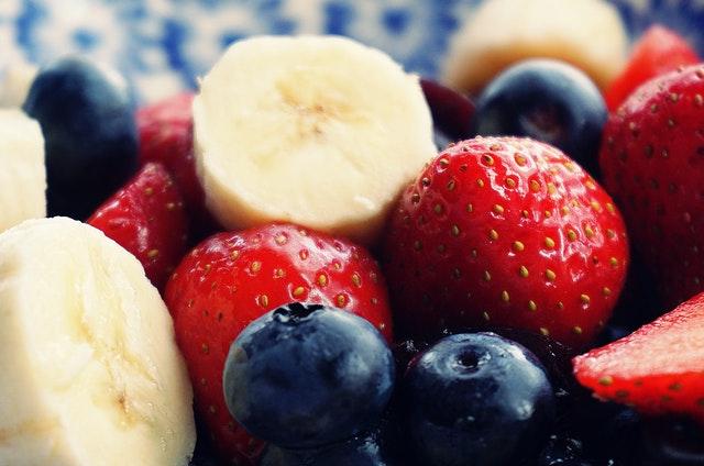 השפעת התזונה על שריפת קלוריות